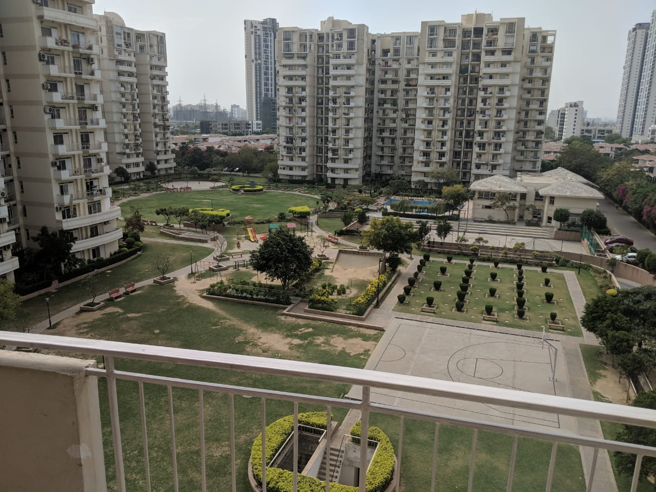 Park View City-1, 3 BHK+Servant apartment available on sale